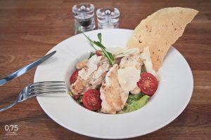 Caesar saláta csirkével - 0,75 bistro, borbár, étterem