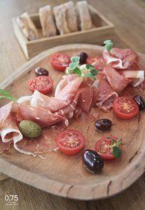 Serrano sonka tál bagettel - 0,75 bistro, borbár, étterem