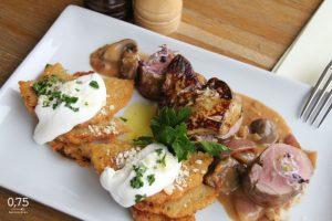 Sertés szűz kacsamájjal, baconös hagymaraguval, burgonya lángossal - 0,75 bistro, Bazilika, borbár étterem