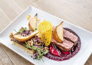 Rosé kacsamell francia rakott burgonyával, céklakrémmel, pirított körtével, dióval - 0,75 bistro | Bazilika | étterem | borbár