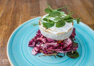 Grill camembert, szeder vinaigrettes saláta - 0,75 bistro Bazilika, borbár, étterem