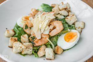 0,75 Caesar salátája rákkal - 0,75 bistro Bazilika, borbár, étterem