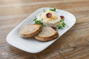 Hermelin – pácolt camembert - 0,75 bistro Bazilika, borbár, étterem